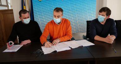 S-a semnat contractul de modernizare a sistemului rutier și pietonal
